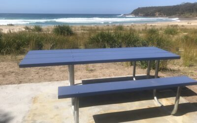 Boomer Crescent Reserve Table and Chairs – Installed
